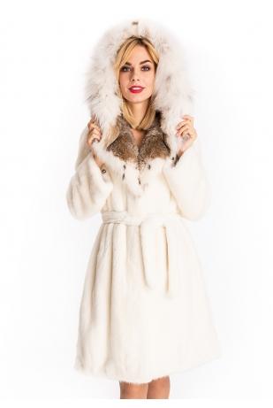 Френч из белой норки с капюшоном из рыси (74-100512)