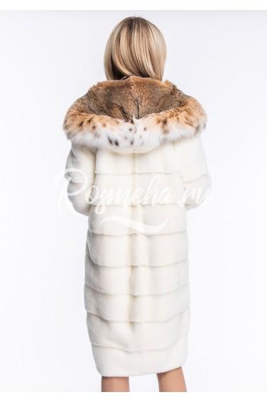 Белая шуба из норки с капюшоном из меха рыси (116-11013)