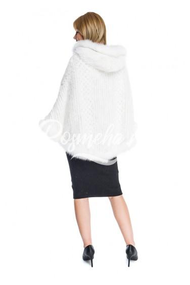 Белое пончо из вязаной норки с песцом (021-7539)